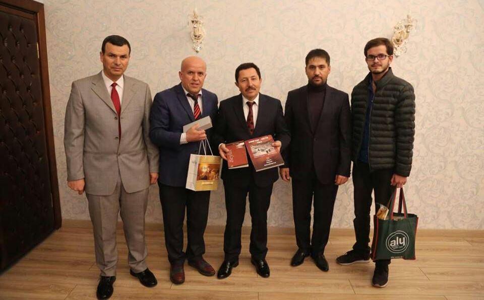 Çorum Kırım Türkleri Kalecikkaya Köyü Derneği Yönetim Kurulu Başkanı Yaşar Tatar; beraberindeki yöneticiler ile birlikte Sakarya'ya bir çıkarma yaptı. | Sungurlu Haber