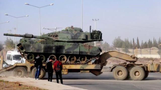 Irak sınırındanSuriyesınırına konuşlandırılmak üzere yola çıkan ve geceyiŞanlıurfa'daki 20'nci Zırhlı Tugay Komutanlığı'nda geçiren 40 araçlık tank, obüs ve mühimmat yüklü askeri konvoy yoluna devam etti. | Sungurlu Haber