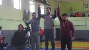 Geçtiğimiz hafta ve hafta sonu yapılan güreş il birinciliğinde Sungurlu Belediye Spor Güreşçileri madalyalara ambargo koydu. | Sungurlu Haber