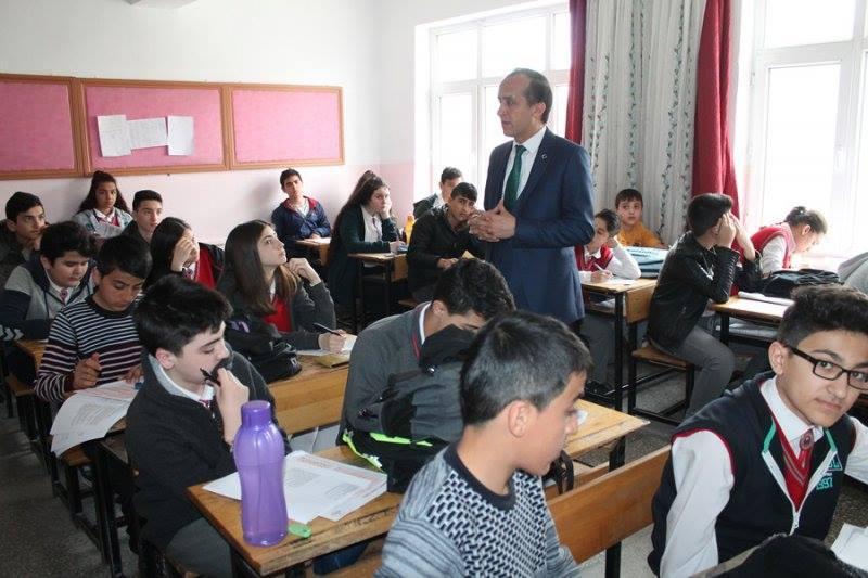 İlçe Milli Eğitim Müdürlüğü sınav takip merkezi tarafından 8. sınıflara yönelik deneme sınavı yapıldı. | Sungurlu Haber
