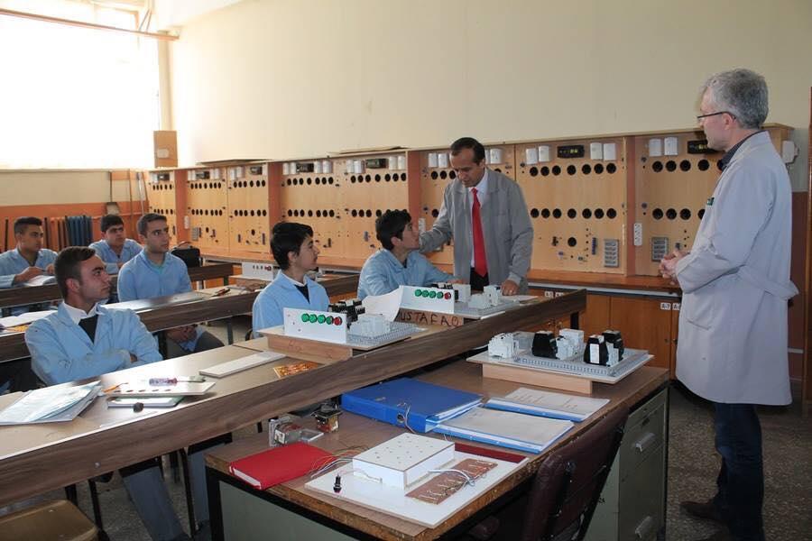 İlçe Milli Eğittim Müdürü Mustafa Eryiğit, Sungurlu Mesleki ve Teknik Anadolu Lisesi Müdürlüğünü ziyaret etti. | Sungurlu Haber