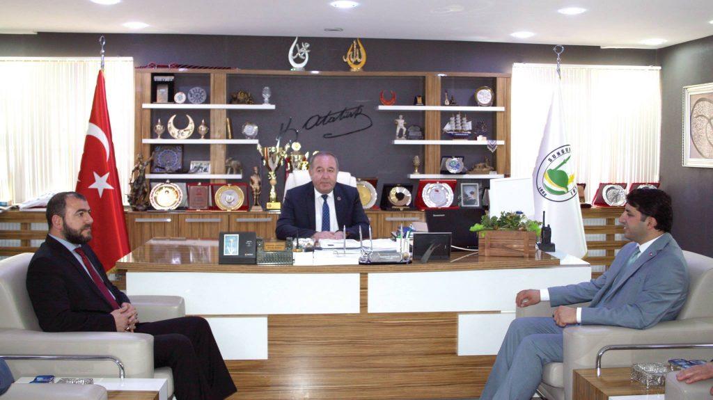 Saadet Partisi Genel Başkan Yardımcısı Fatih Aydın, Sungurlu Belediye Başkanı Abdulkadir Şahiner'i makamında ziyaret etti. | Sungurlu Haber