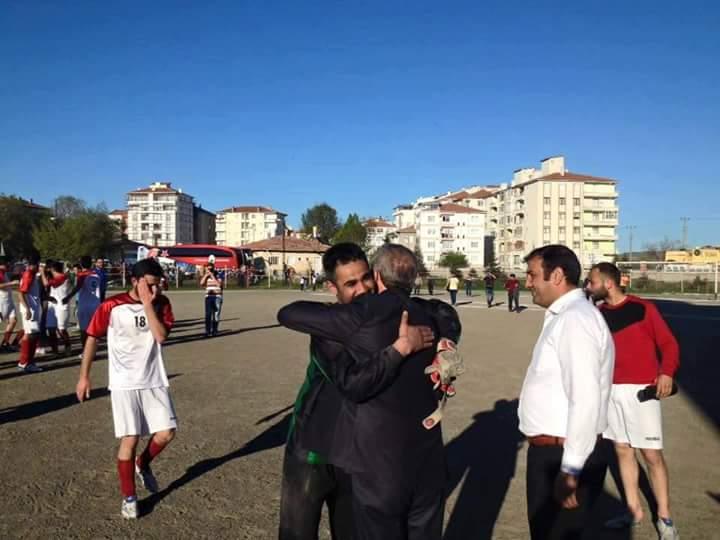 Sungurlu Belediyespor' un emektar kalecisi Bayram İncesulu futbolu bıraktığını açıkladı. | Sungurlu Haber