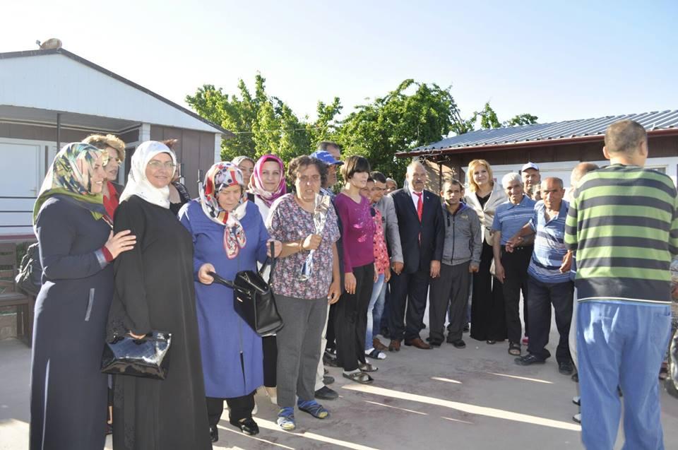 Milliyetçi Hareket Partisi (MHP) Sungurlu İlçe teşkilatı Anneler Günü münasebetiyle ilçede faaliyet gösteren yaşlı bakım merkezlerini ziyaret etti.   Sungurlu Haber