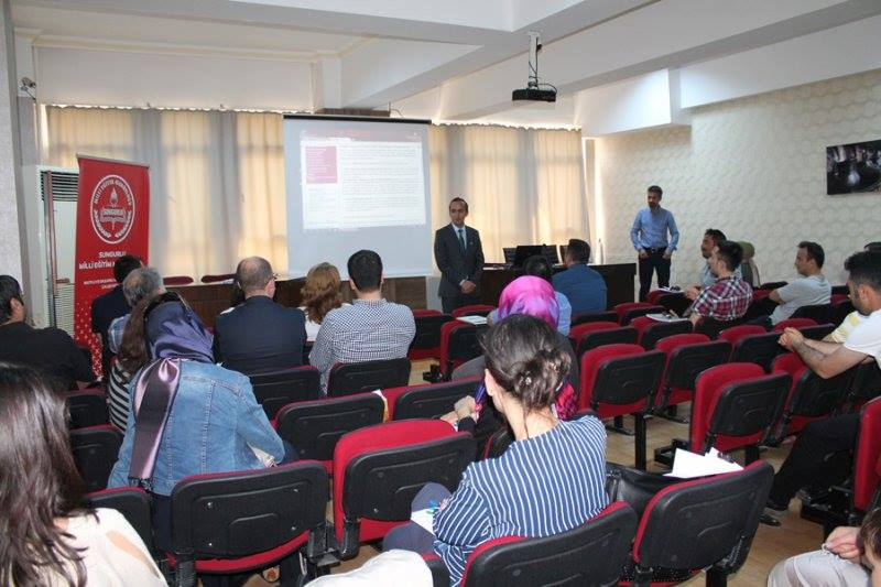14-18 Mayıs tarihleri arasında İlçe Milli Eğitim Müdürlüğü konferans salonunda gerçekleşen eğitim programına ilçedeki okullarda görevli 28 öğretmen ve idareci katıldı. | Sungurlu Haber