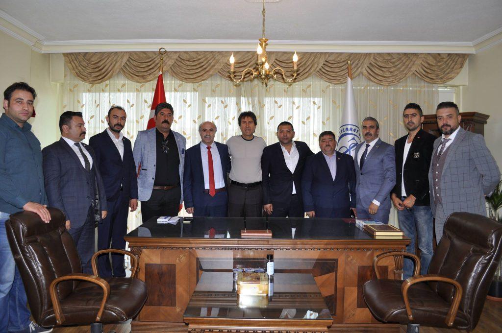Milliyetçi Hareket Partisi (MHP) Çorum Milletvekili adayı Alparslan Karapıçak, ilçede kurum ve oda ziyaretleri gerçekleştirdi. | Sungurlu Haber