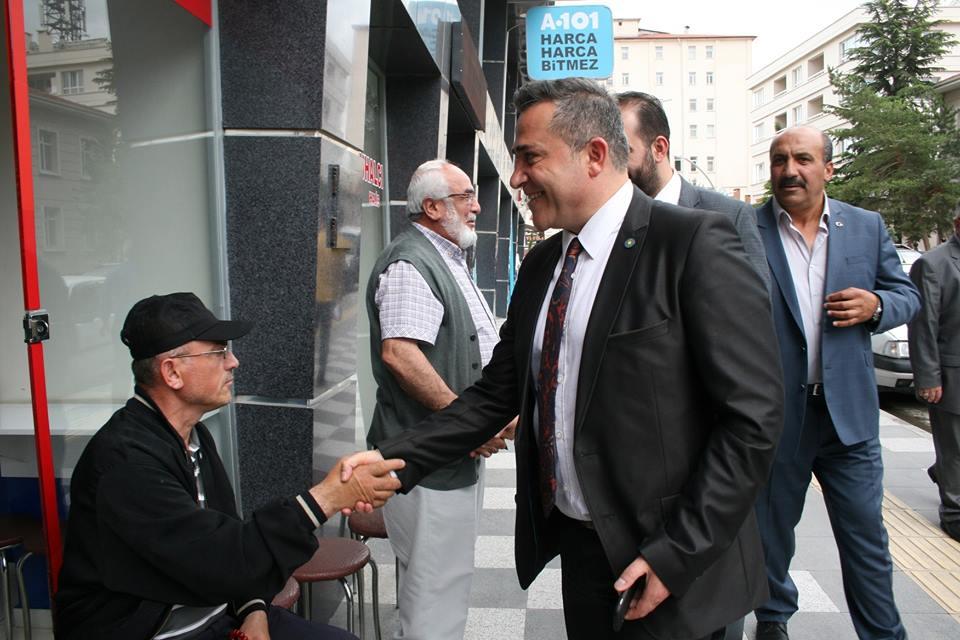 İYİ Parti yöneticileri ve Çorum Milletvekili adayları Sungurlu'da esnaf ziyaretlerini sürdürdü. | Sungurlu Haber