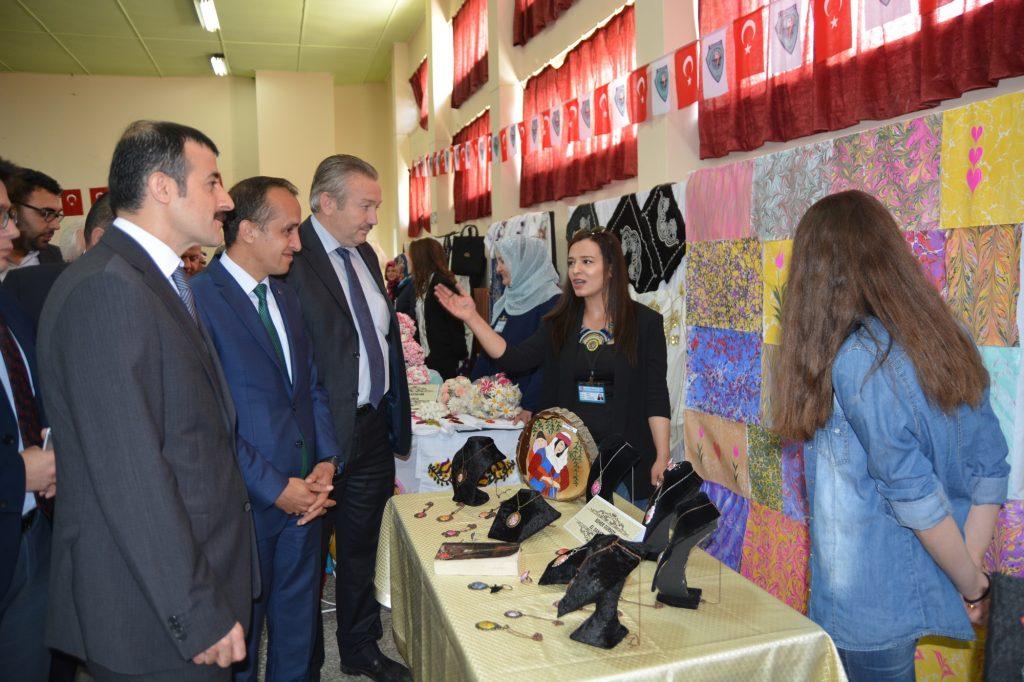 Halk Eğitim Yıl Sonu Sergisi Sergilendi | Sungurlu Haber