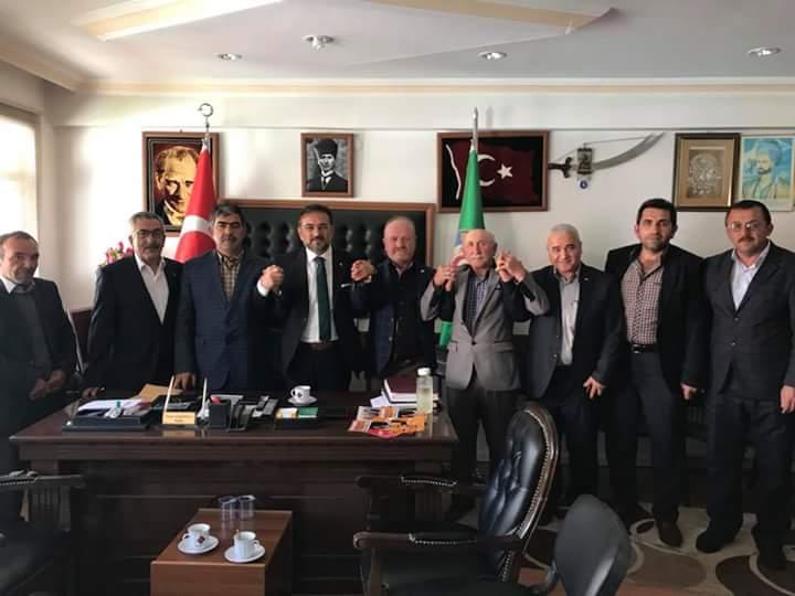 Ak Parti Çorum Milletvekili Aday Adayı Ali Osman Kıyak, ilçede faaliyet gösteren esnaf odalarını ziyaret etti. | Sungurlu Haber