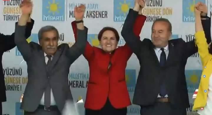 Sungurlu Belediye Başkanı Abdulkadir Şahiner, İYİ Parti'ye geçerek rozet taktı. | Sungurlu Haber