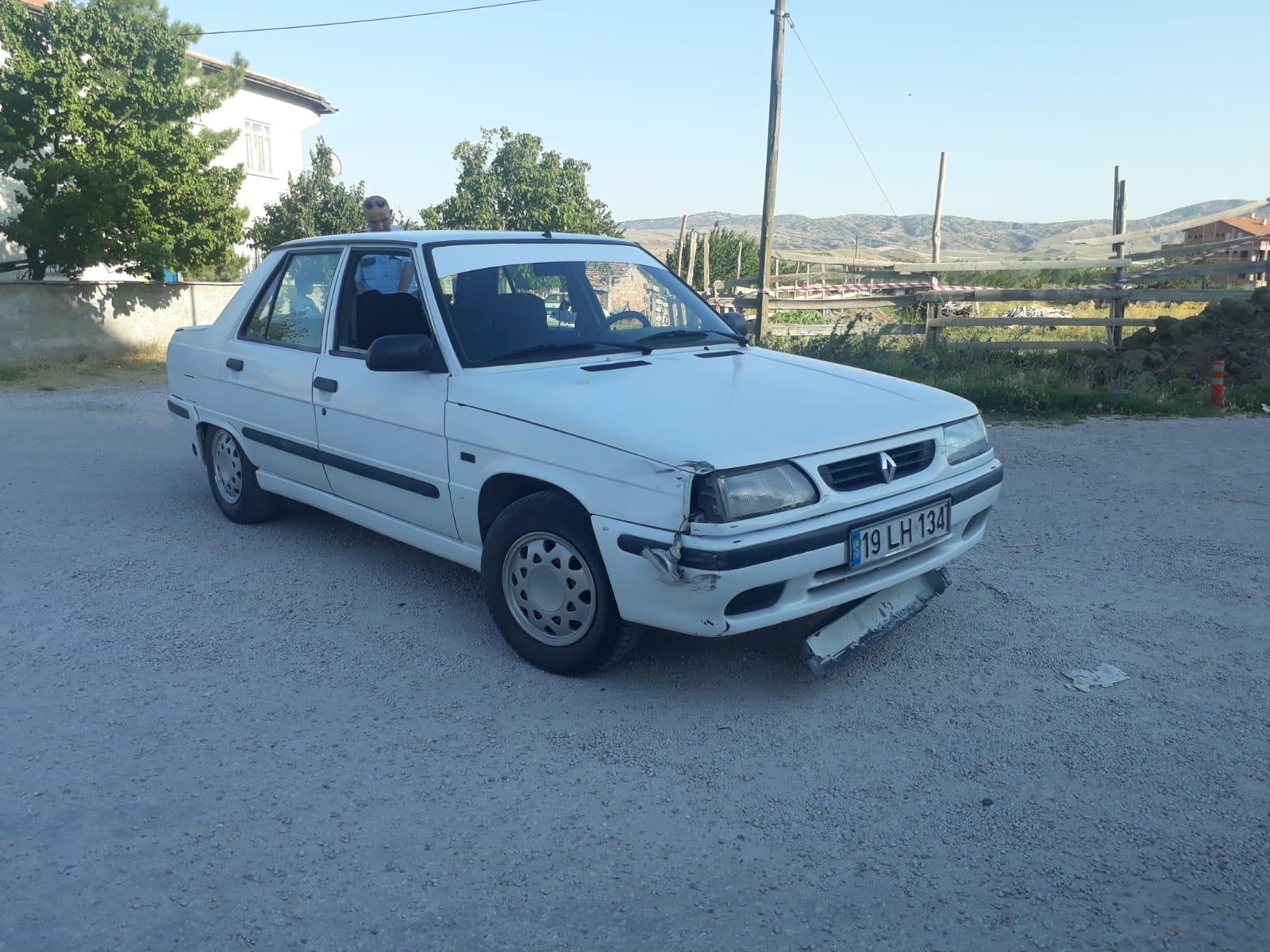 Edinilen bilgilere göre kaza Hacettepe Mahallesi Fatih Cami önünde meydana geldi. A.D. yönetimindeki 19 LH 134 plakalı otomobil,B.K. yönetimindeki 19 SD 908 plakalı motosiklete çarptı. | Sungurlu Haber