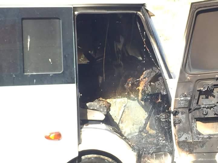 Edinilen bilgilere göre Yesevi Sitesi önünde park halinde bulunan 34 AR 4414 plakalı öğrenci servisinin ön kısmında yangın çıktı. | Sungurlu Haber