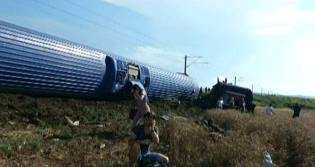 Tekirdağ Çorlu yakınlarında Kapıkule-İstanbul seferini yapan yolcu treninin 6 vagonu, raylardan çıkıp devrildi. Yaralıların olduğu belirtilirken bölgeye ambulanslar sevk edildi.   Sungurlu Haber