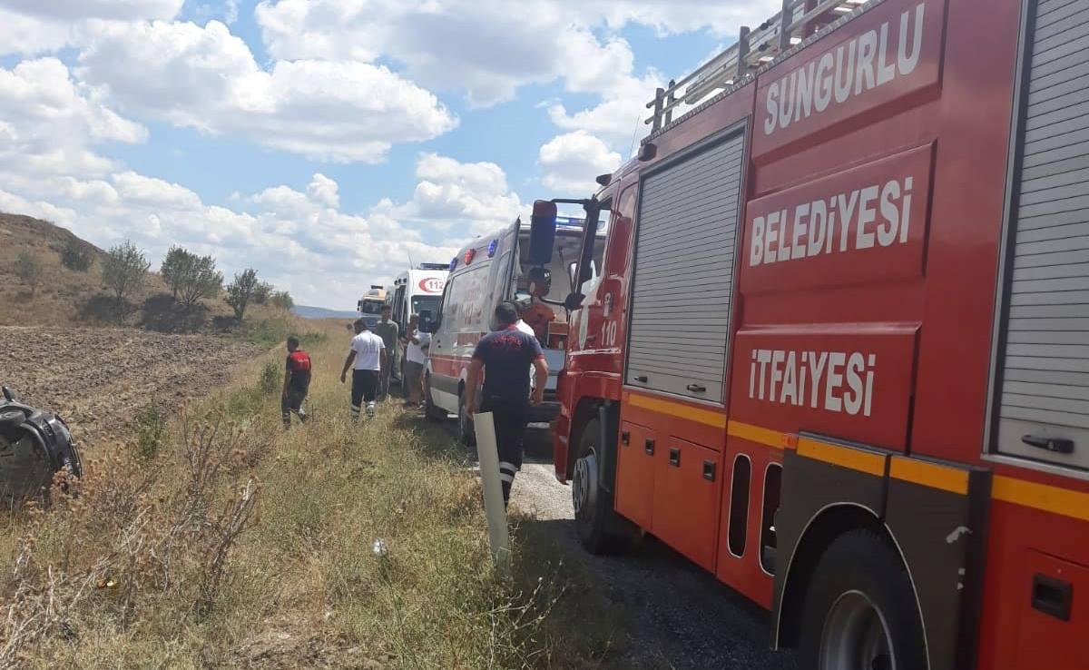Otomobil Takla Atıp Tarlaya Uçtu : 6 Yaralı | Sungurlu Haber