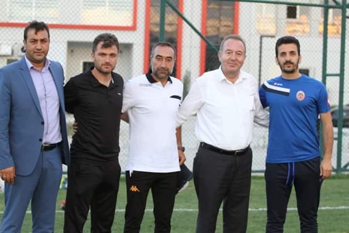 Çorum Belediyespor yeni sezon hazırlıkları kapsamındaki ikinci hazırlık maçında Bölgesel Amatör Lig'de ilimizi temsil edecek olan Sungurlu Belediyespor'u 2-1 yendi. | Sungurlu Haber