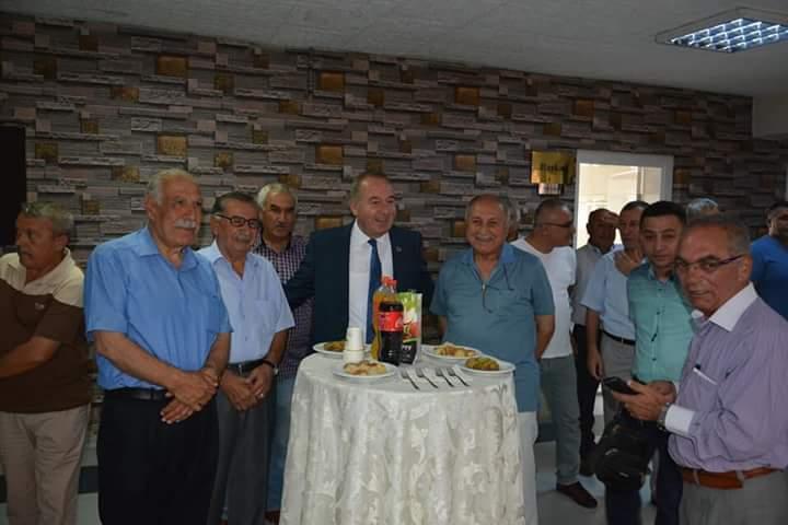 Başkan Şahiner, Mahmut Atalay spor salonu'nda yapılan geleneksel bayramlaşma öncesinde belediye binasında personeliyle bir araya geldi. | Sungurlu Haber