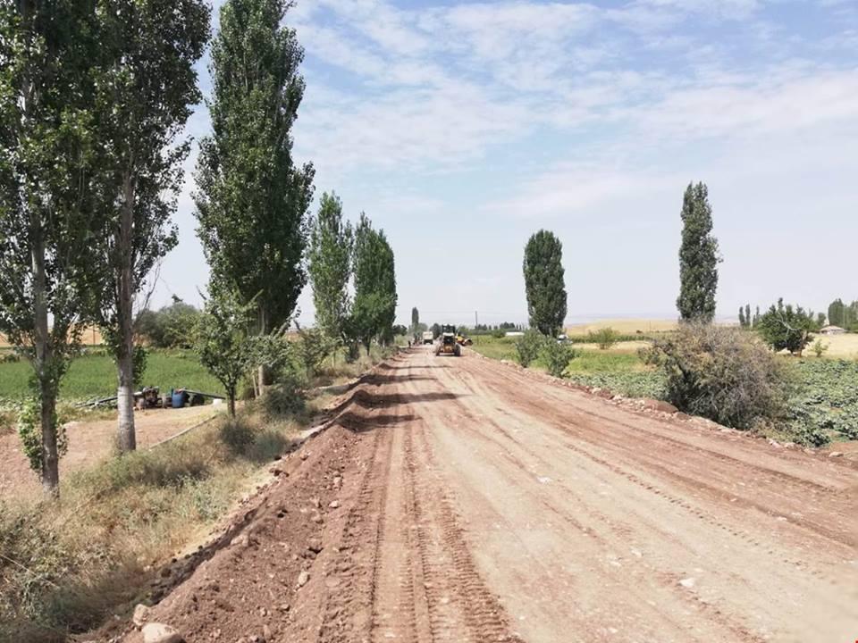 İlçemize bağlı Derekışla, Sarıkaya ve Alembeyli grup yolunda bitümlü sıcak karışım asfalt çalışmaları başladığı bildirildi. | Sungurlu Haber