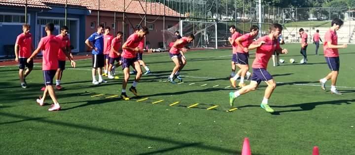 Bölgesel Amatör Lig'de ilimizi temsil edecek olan Sungurlu Belediyespor yeni sezon hazırlıklarını dün yaptığı çift antrenmanla sürdürdü. | Sungurlu Haber