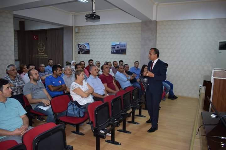 İlçe Milli Eğitim Müdürü Mustafa Eryiğit, 2018-2019 Eğitim Öğretim Yılı öncesi okul müdür yardımcıları ile biraraya geldi.   Sungurlu Haber