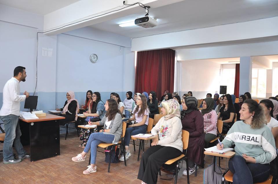 2018-2019 Eğitim Öğretim Yılına %97 doluluk oranı ile başlayan, Sungurlu Meslek Yüksekokulu yeni açılan bölümleri ile birlikte toplam 1310 öğrenci sayısına ulaştı.   Sungurlu Haber