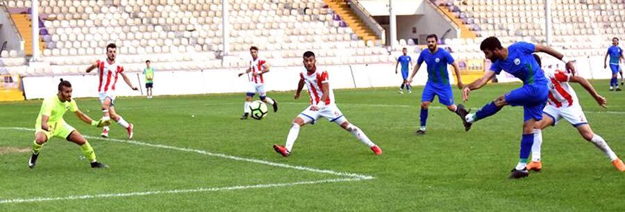 Bölgesel Amatör Lig'de temsilcimiz Sungurlu Belediyespor son haftaların çıkıştaki takımı Altınordu Belediyespor deplasmanında ilk yarım saatlik bölümde rakibi ile başa baş bir oyun ortaya koysada rakibin yan toplardaki etkili oyunu sonucunda sahadan 4-0 mağlup ayrıldı. | Sungurlu Haber