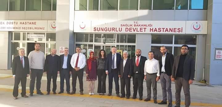 Sungurlu Devlet Hastanesi Başhekimi Uzm. Dr Fatma Özak Batıbay'ın aracına gece saatlerinde evinin önünde kimliği belirsiz kişi yada kişiler tarafından zarar verildi. | Sungurlu Haber