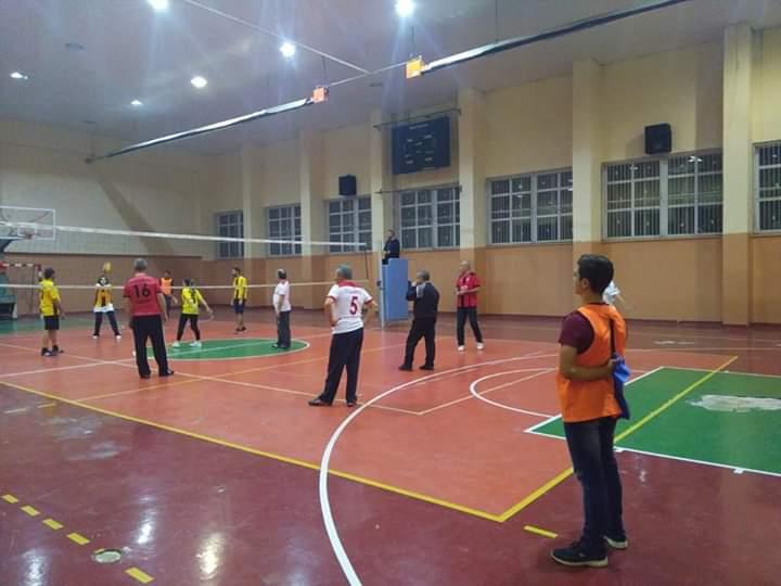 Öğretmenler Arası Voleybol Turnuvası Devam Ediyor | Sungurlu Haber
