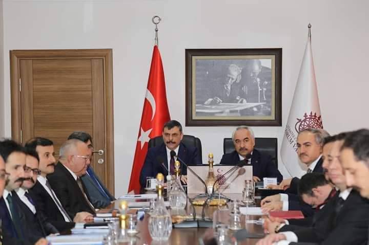 İçişleri Bakan Yardımcısı Mehmet Ersoy ve beraberindeki İZDES Heyeti Çorum'a geldi. İçişleri Bakanlığı'nca başlatılan İzleme ve Değerlendirme Sistemi (İZDES) Projesi kapsamında, Bakanlık bürokratları, 81 ile ziyaret gerçekleştiriyor. | Sungurlu Haber