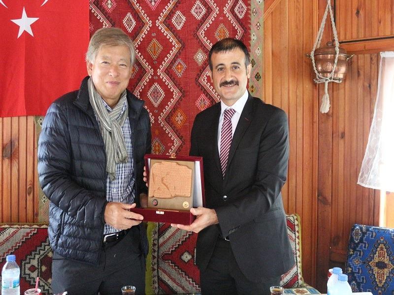 Korea Üniversitesi Rektörü Kaymakam Gözen'i Ziyaret Etti » Sungurlu Haber